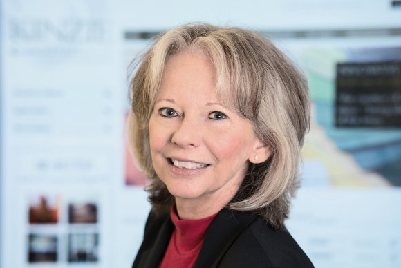 Debbie Hansen - Kinzie Group
